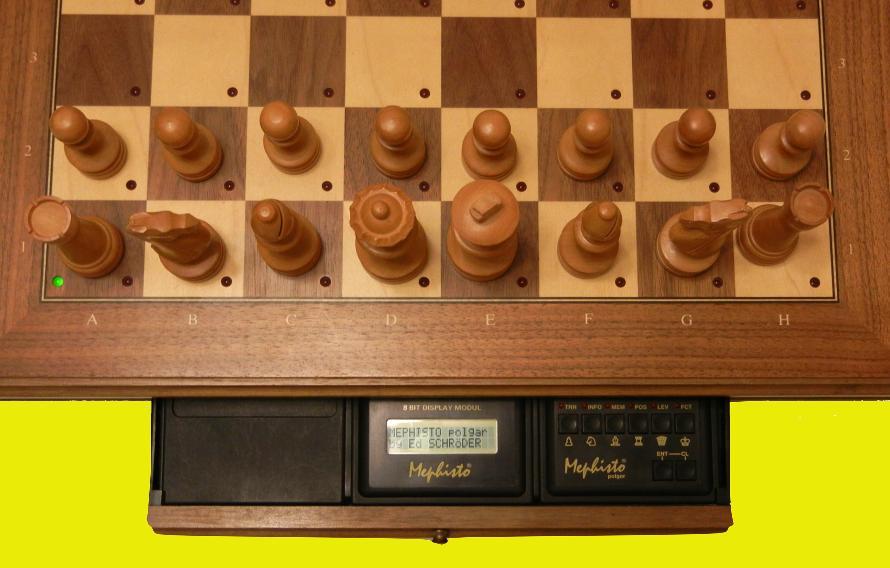 Mephisto Polgar (1989) Top View of Mephisto Polgar Module inside Mephisto Muenchen Modular Chess Board